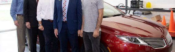 Congressman Daniel Webster visits autonomous vehicle lab